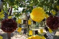 Желто-коричневые (шоколадные) растяжки-гирлянды флажки
