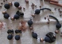Набор бусы и серьги в коричневом стиле