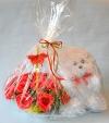Букет красных роз из конфет в корзинке с мишкой