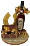 Оригинальная шоколадная композиция на подарок в золоте